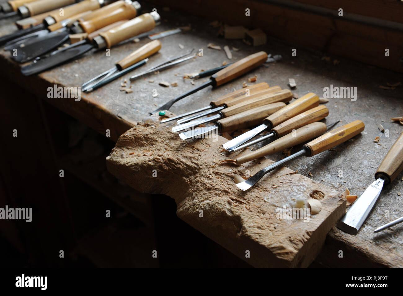 Holzbildhauer Atelier, Werkzeug und Zubehör Stock Photo