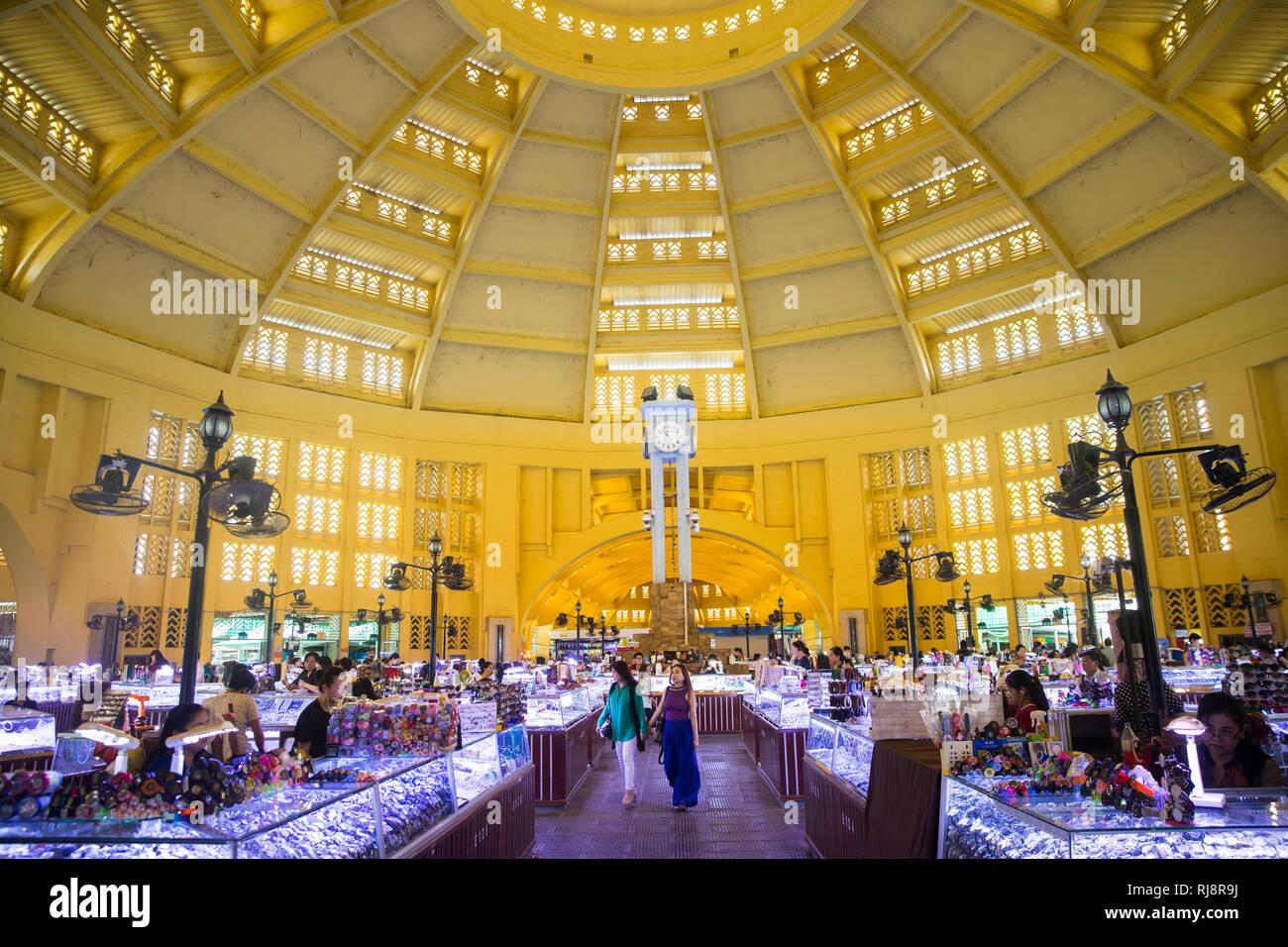 Kambodscha, Phnom Penh, Zentrale Markthalle, Schmuck und Edelstein Verkauf, ehemalige Markthalle von Frankreich 2011 renoviert - Stock Image