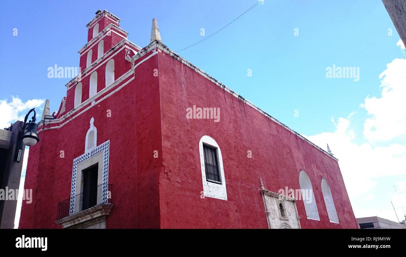Iglesia Colonial en Merida - Stock Image