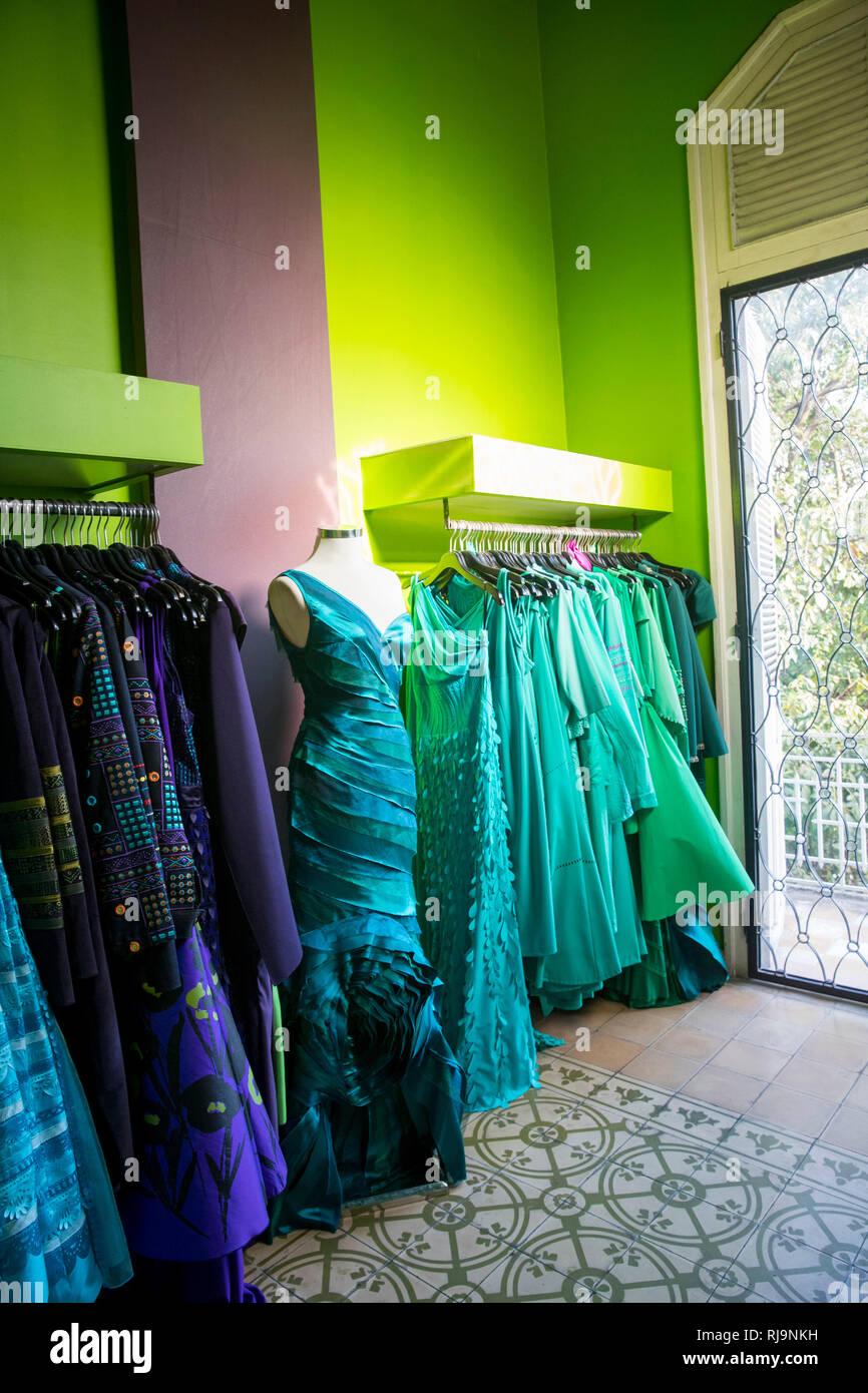 Kambodscha, Phnom Penh, Modedesignerin Romyda Keth in Ihrem Laden in der Straße 178, Stock Photo