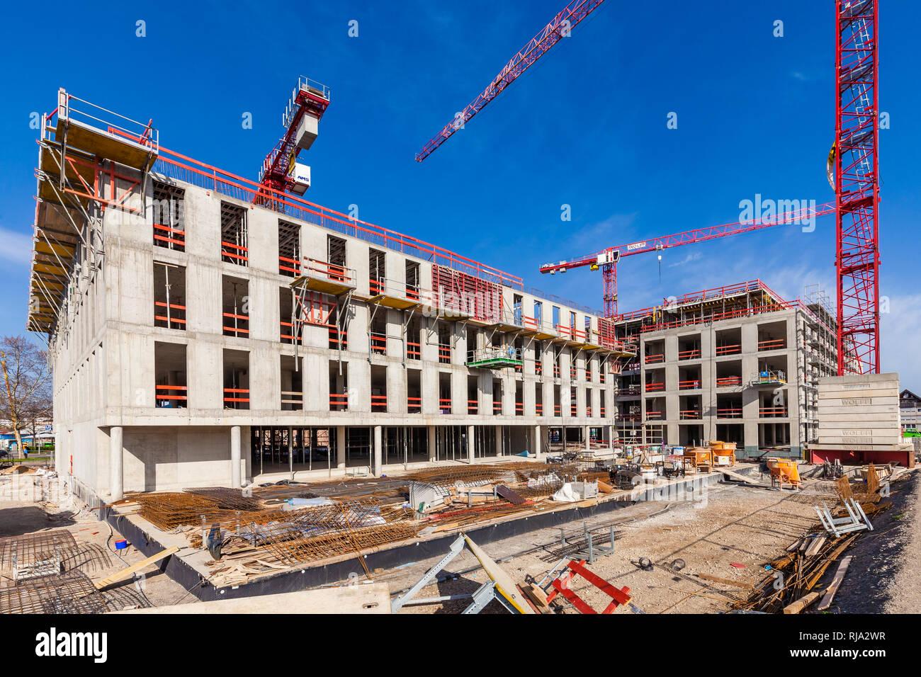 Deutschland, Baden-Württemberg, Stuttgart, Bad Cannstatt, Neckarpark, Neubau Bürogebäude - Stock Image