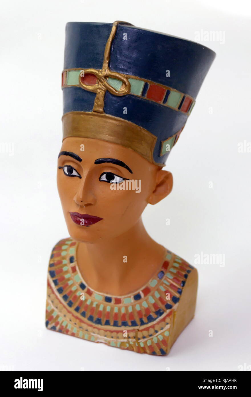 856748f98e934 Replica bust of Nefertiti (1370 – 1330 BC); Egyptian queen and the Great