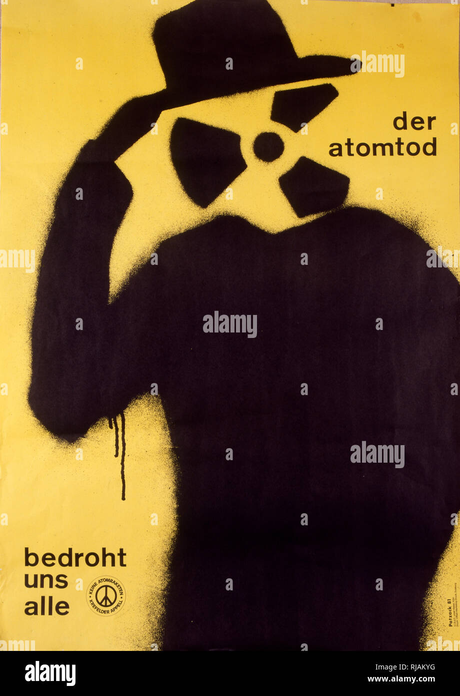 German Nuclear disarmament poster, by Bernhard Patzack, 1981. 'Der Atomtod bedroht uns alle - Keine Atomraketen'.  Nuclear death threatens us all - no nuclear missile - Stock Image