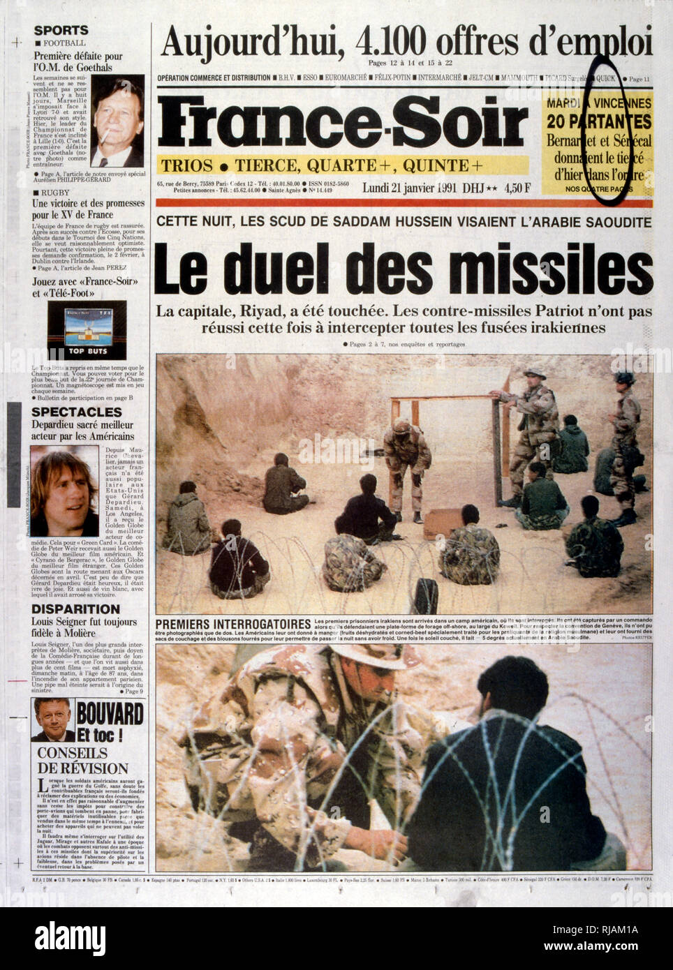 Headline in 'France-Soir' a French newspaper, 21st January 1991, concerning escalating action in the Gulf War (2 August 1990 - 28 February 1991). codenamed Operation Desert Shield and Operation Desert Storm, the war waged by coalition forces from 35 nations led by the United States against Iraq in response to Iraq's invasion and annexation of Kuwait. - Stock Image