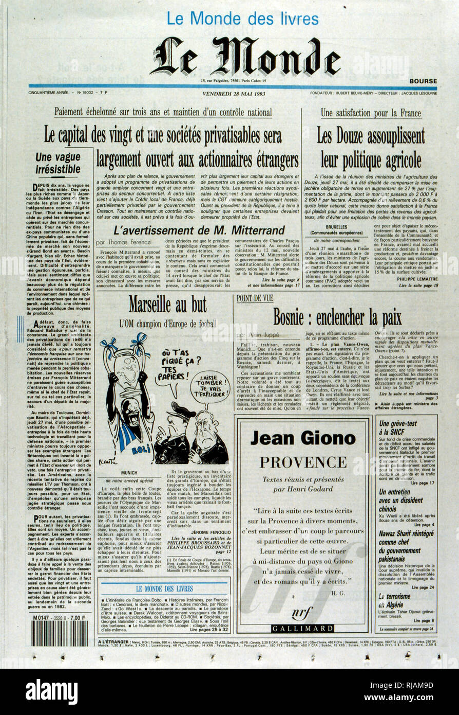 French publication 'Le Monde' reporting the French governments plans to privatise state industries following the 1993 French elections - Stock Image