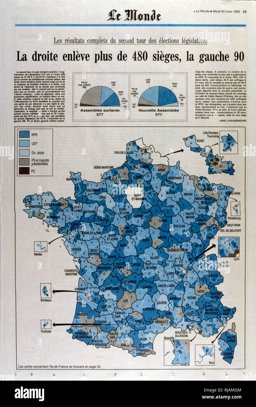 Le monde' Publishes the results of the second round of the French legislative elections in March 1993 to elect the tenth National Assembly of the Fifth Republic. The election was a landslide victory for the RPR-UDF alliance, while the PS and their left-wing allies received their worst result since the 1960s - Stock Image