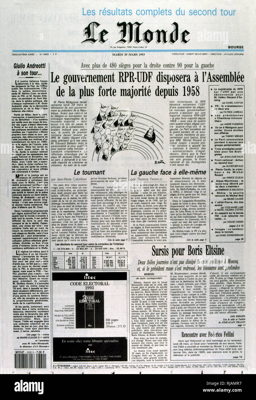 In the second round of the 1993 elections, French voters provide a majority to the RPF-UDF alliance. Report in 'Le Monde'  30th March 1993. - Stock Image