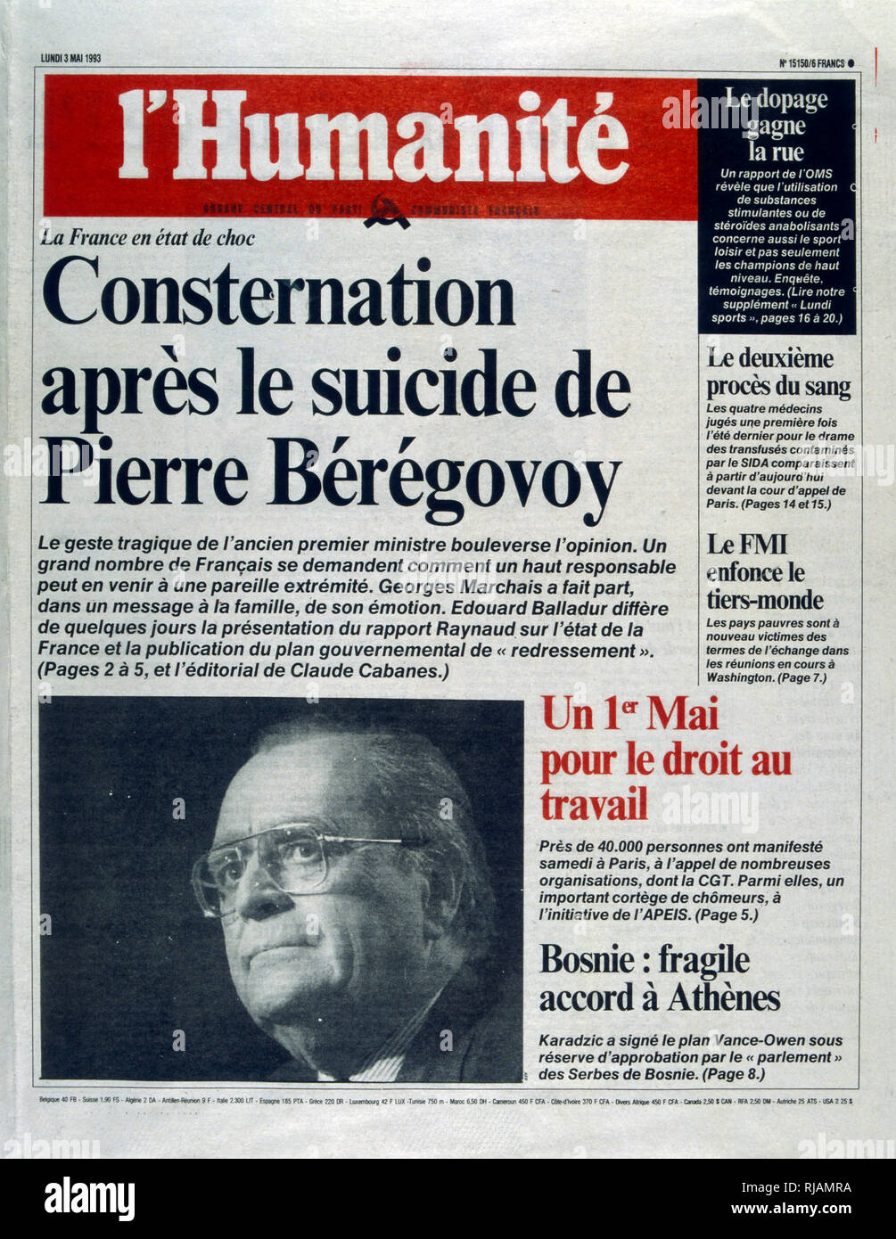 Cover of the French publication 'L'Humanite' after the suicide of Pierre Beregovoy, May 1993. Pierre Eugene Beregovoy (1925 - 1 May 1993) was a French politician who served as Prime Minister of France under President Francois Mitterrand from 2 April 1992 to 29 March 1993. He committed suicide. His successor as Prime Minister, Edouard Balladur, is seen leaving the funeral in Nevers. - Stock Image