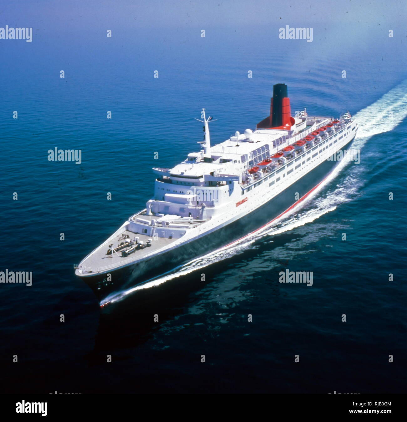 The Queen Elizabeth 2 Often Referred To Simply As Qe2 Is A Floating Hotel And Retired Ocean Liner Built For The Cunard Line Which Was Operated By Cunard As Both A Transatlantic