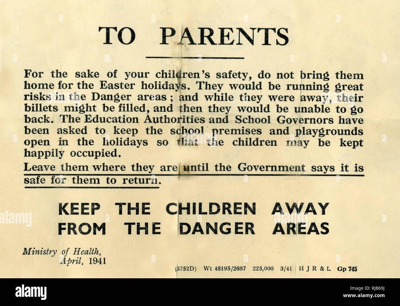 Ministry of Health leaflet to parents during the Second World War, advising them not to bring their evacuated children home during the Easter holidays. - Stock Image