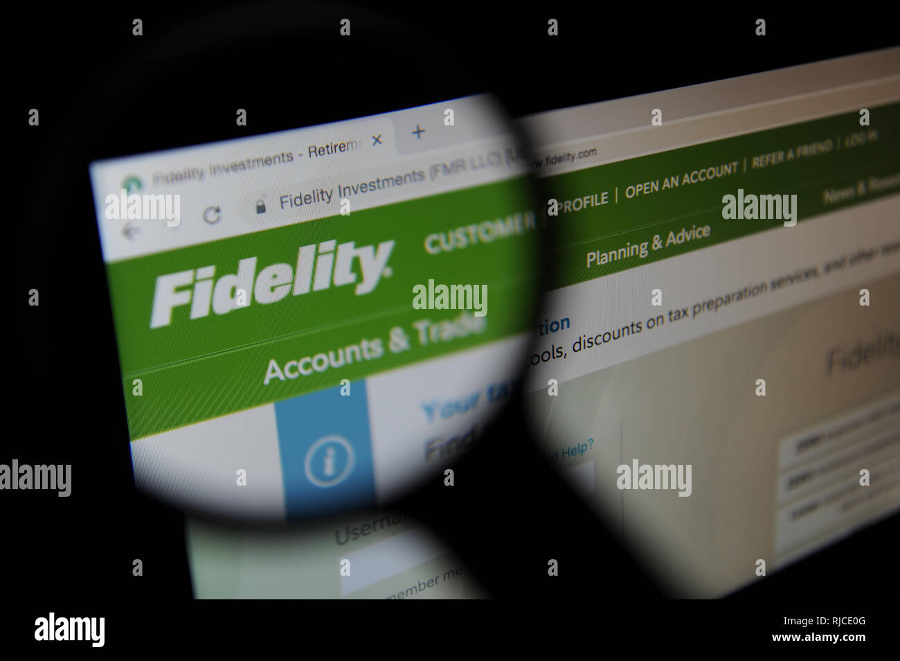 Website of the multinational financial services corporation Fidelity Investments - Stock Image