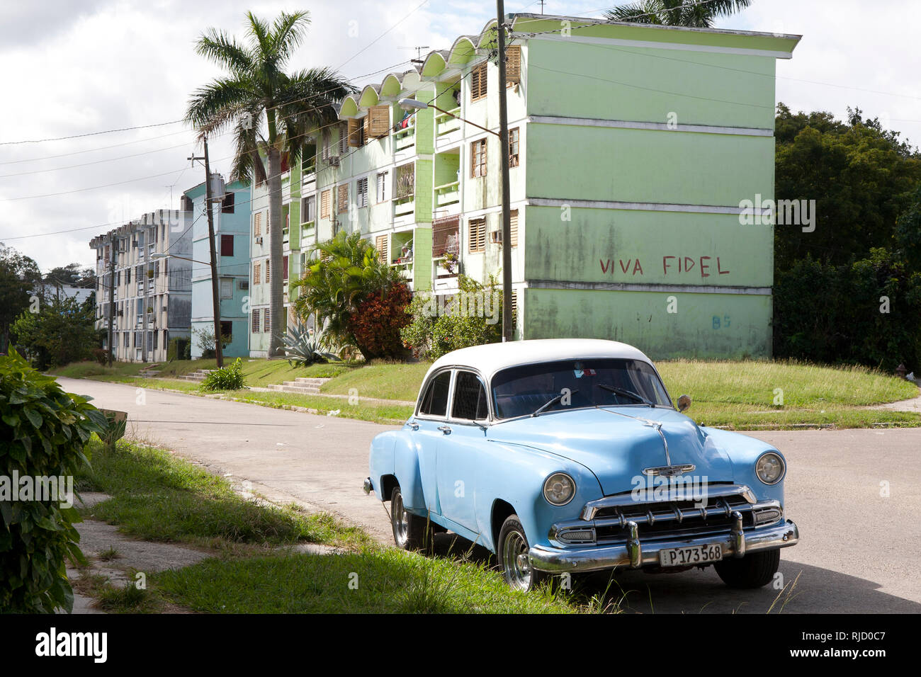 1950's Chevy parked in street on the out skirts of Havana, Cuba - Stock Image