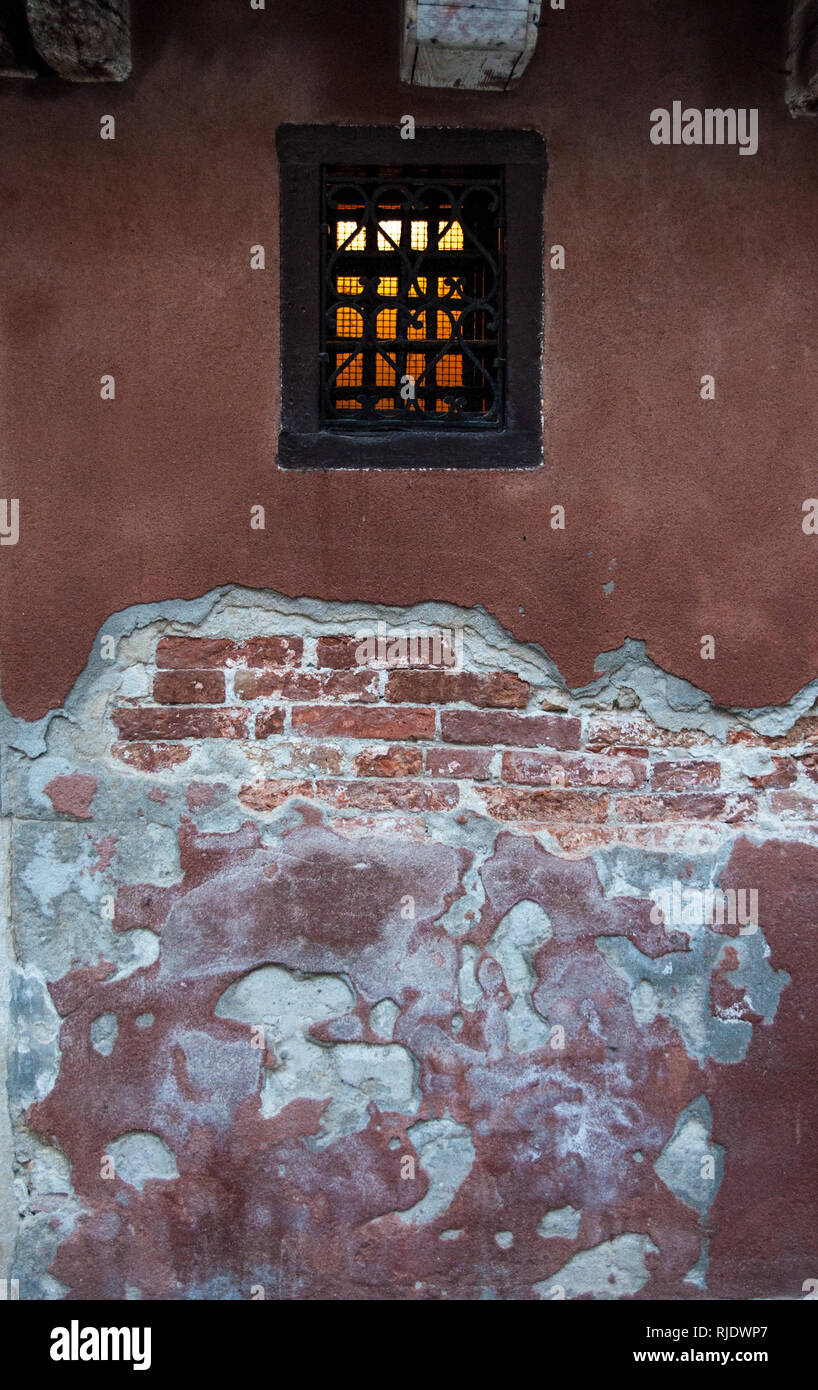 Texture and deteriorated wall in Venice - Stock Image