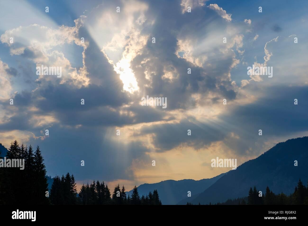 Sunrays in clouds, front crack, Lenggries, Isarwinkel, Upper Bavaria, Bavaria, Germany - Stock Image