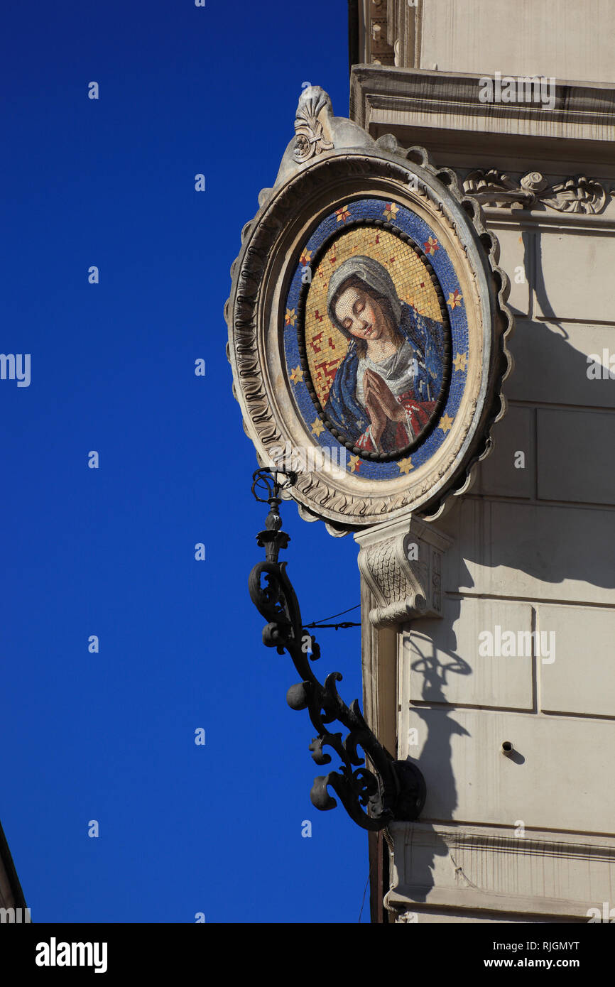 Madonna picture on a house corner at Campo de fiori, Rome, Italy - Stock Image