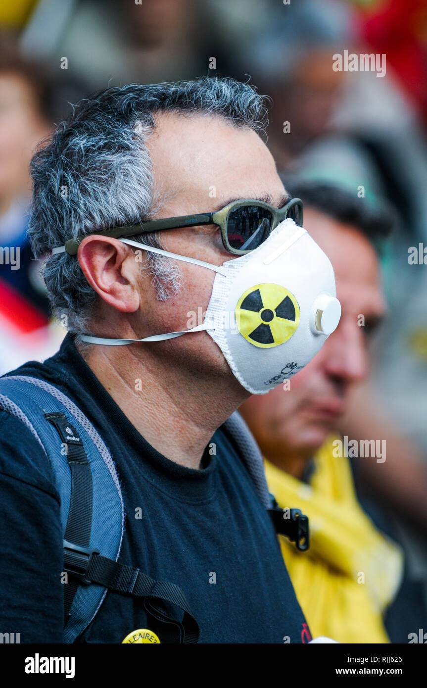 Anti-nuclear militants pay homage to Fukushima victims, Paris, France - Stock Image