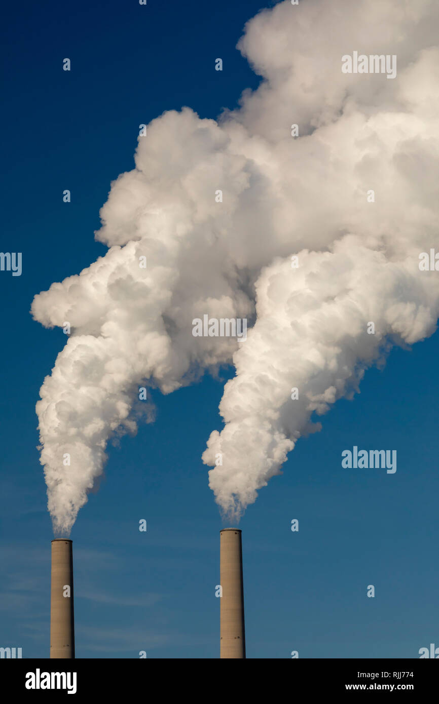 Marine City, Michigan - DTE Energy's Belle River coal-fired power plant. - Stock Image