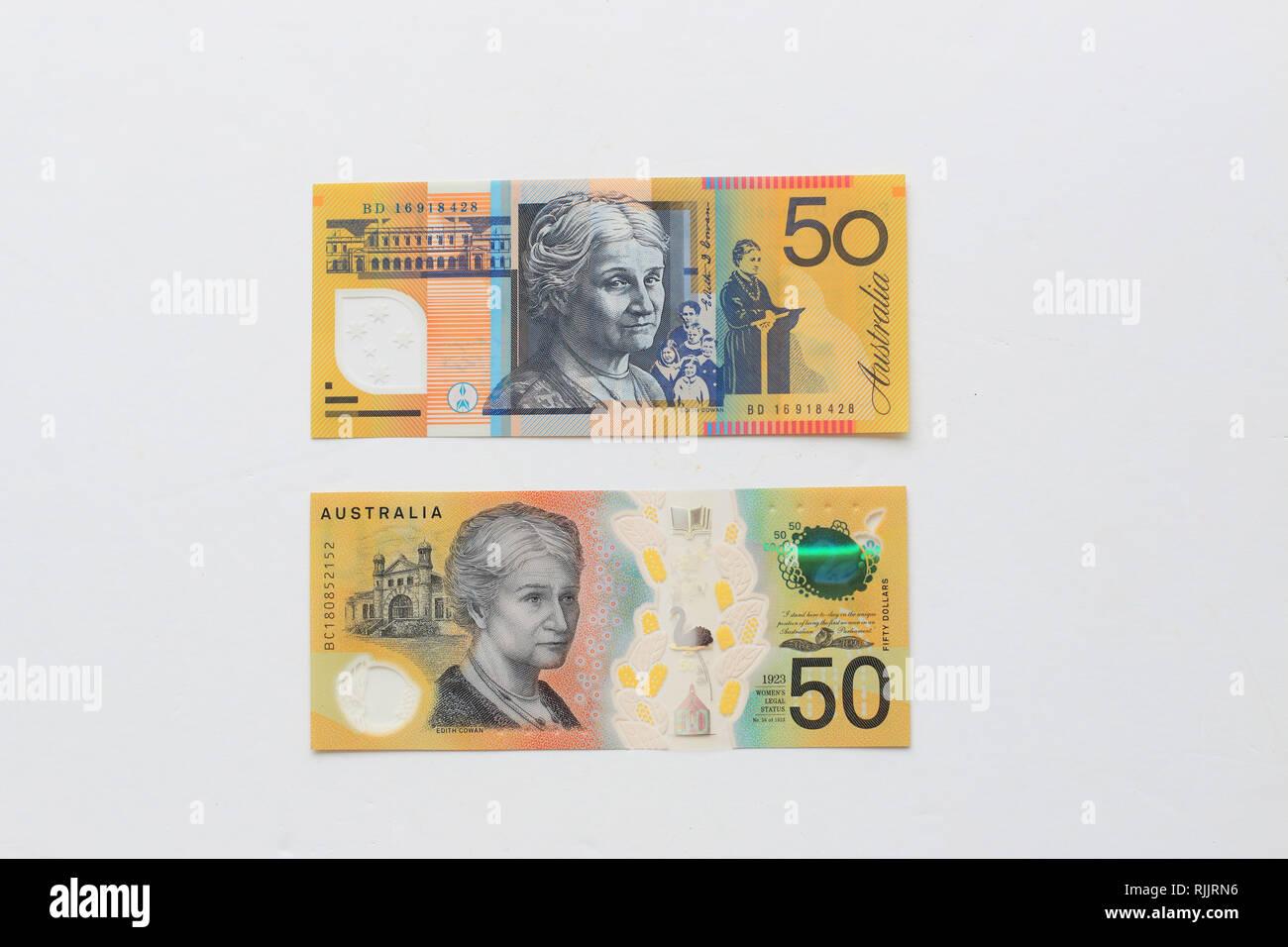 15 Australian Dollars Total Australia 5 10 Banknotes 2 Bank Note Good Cond.