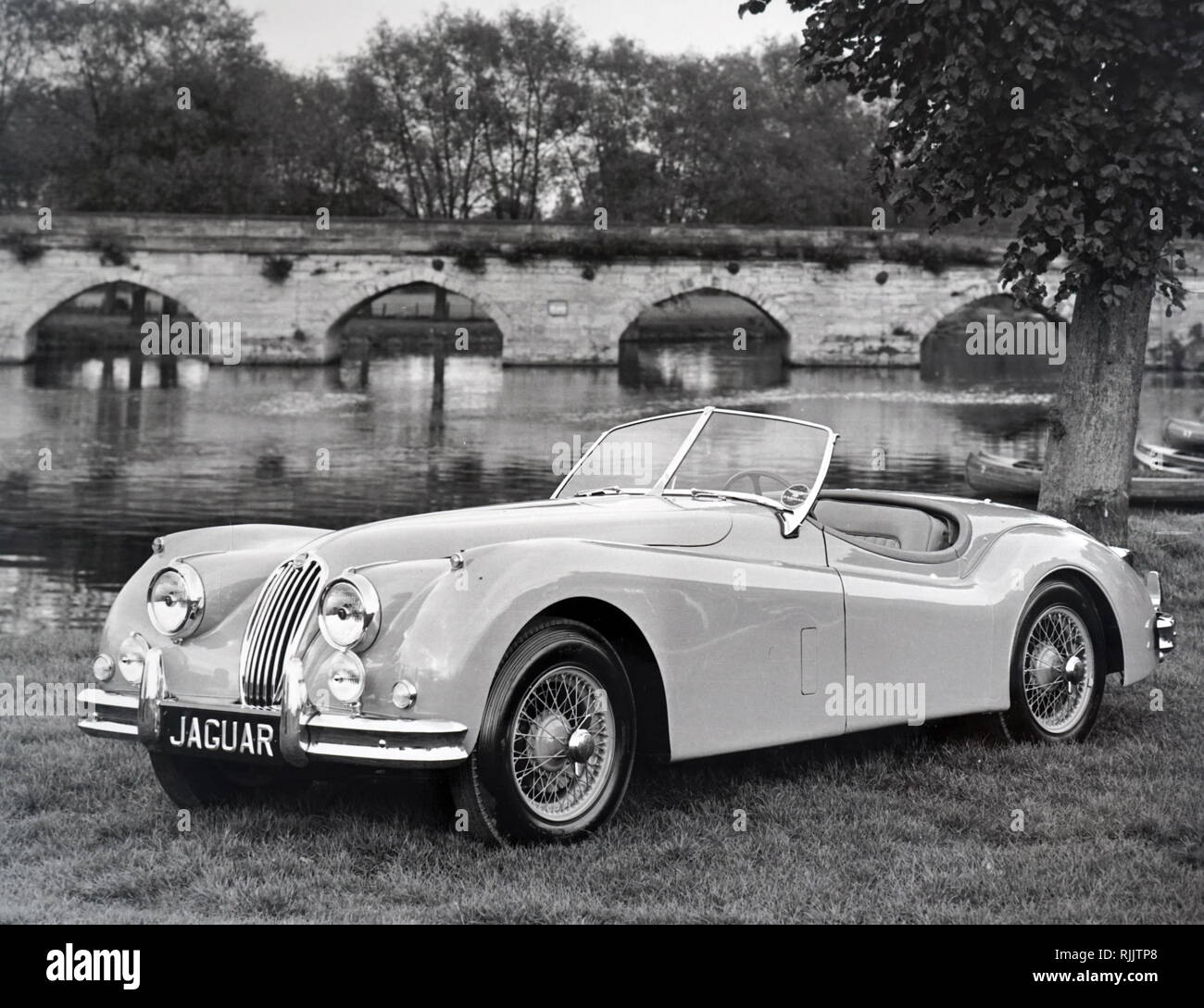 1954 Jaguar Xk140: 1954 1957 Stock Photos & 1954 1957 Stock Images
