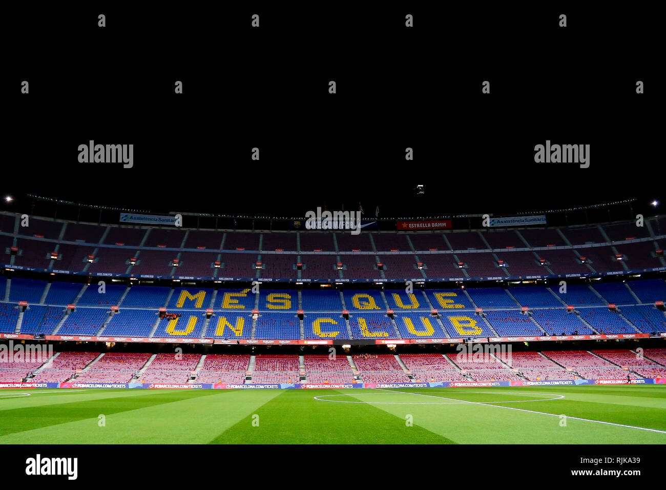 Camp Nou, Barcelona, Spain. 6th Feb, 2019. Copa del Rey football semi final, 1st leg, Barcelona versus Real Madrid; View of the Camp Nou Stadium one hour before start the match against Real Madrid Credit: Action Plus Sports/Alamy Live News Stock Photo