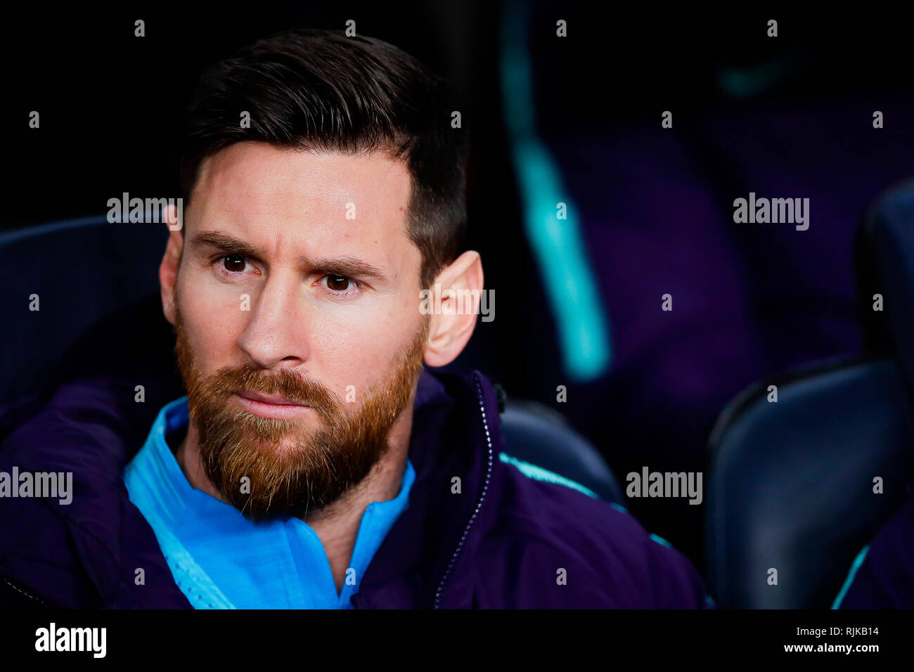 Camp Nou, Barcelona, Spain. 6th Feb, 2019. Copa del Rey football semi final, 1st leg, Barcelona versus Real Madrid; Lionel Messi of FC Barcelona starts on the bench due to injury worries Credit: Action Plus Sports/Alamy Live News - Stock Image
