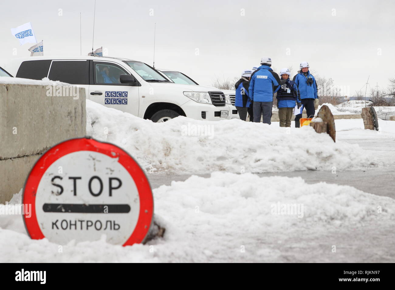 Schastye, Ukraine. 07th Feb, 2019. LUGANSK REGION, UKRAINE - FEBRUARY 7, 2019: OSCE observers arrive to attend the handover of 33 people who were convicted in east Ukraine before 2014 and who want to service their terms outside Donbass, by the Lugansk People's Republic to the Kiev authorities. Alexander Reka/TASS Credit: ITAR-TASS News Agency/Alamy Live News - Stock Image