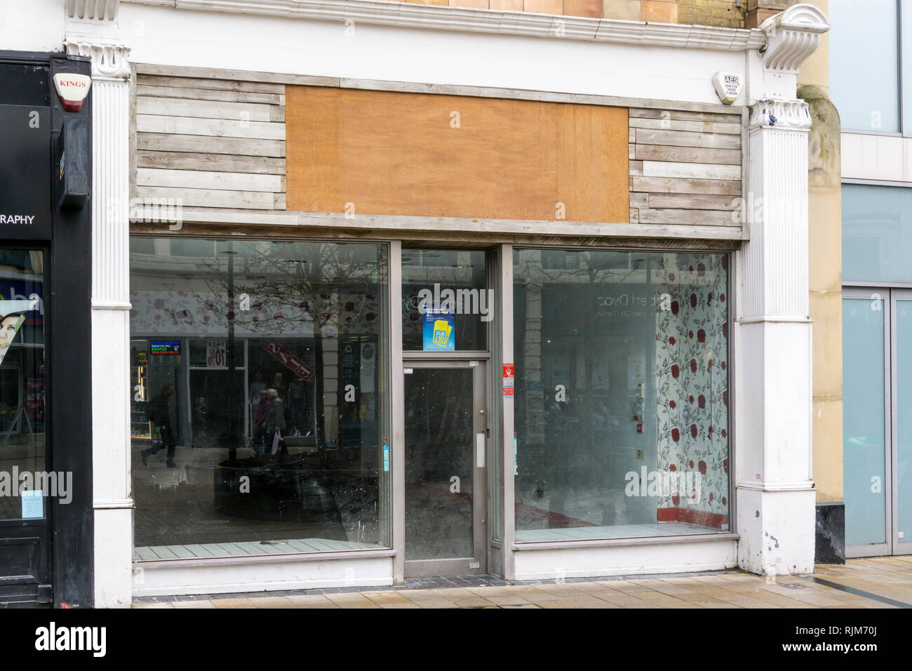 An empty shop in Bromley High Street, South London. - Stock Image