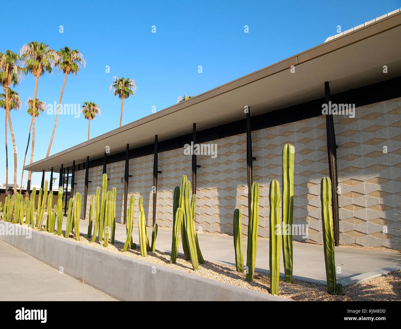 The exterior of a building completed in 1958 and recently renovated and preserved in Palm Springs, California, featuring details of modernist architec - Stock Image