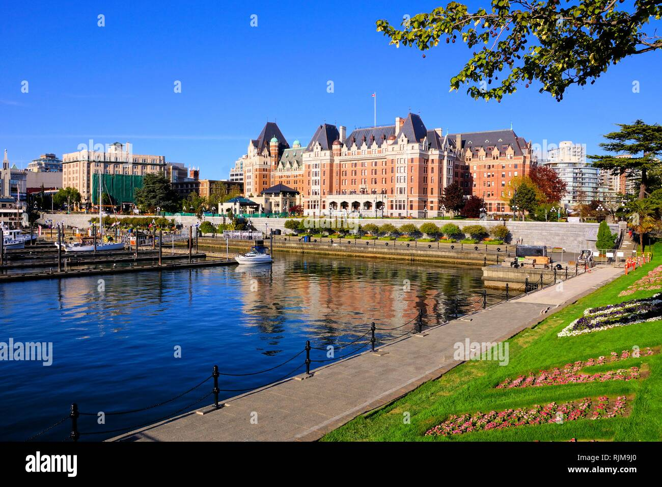 Victoria Island Bc >> View Of The Beautiful Harbor Of Victoria Vancouver Island