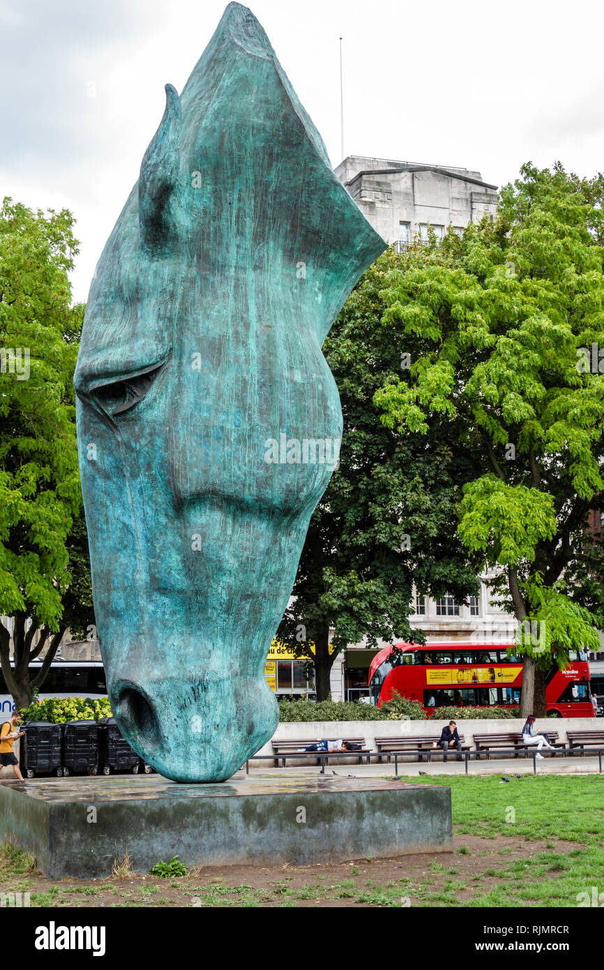 United Kingdom Great Britain England London Marble Arch Still Water monumental bronze sculpture horse's head by Nic Fiddian-Green - Stock Image
