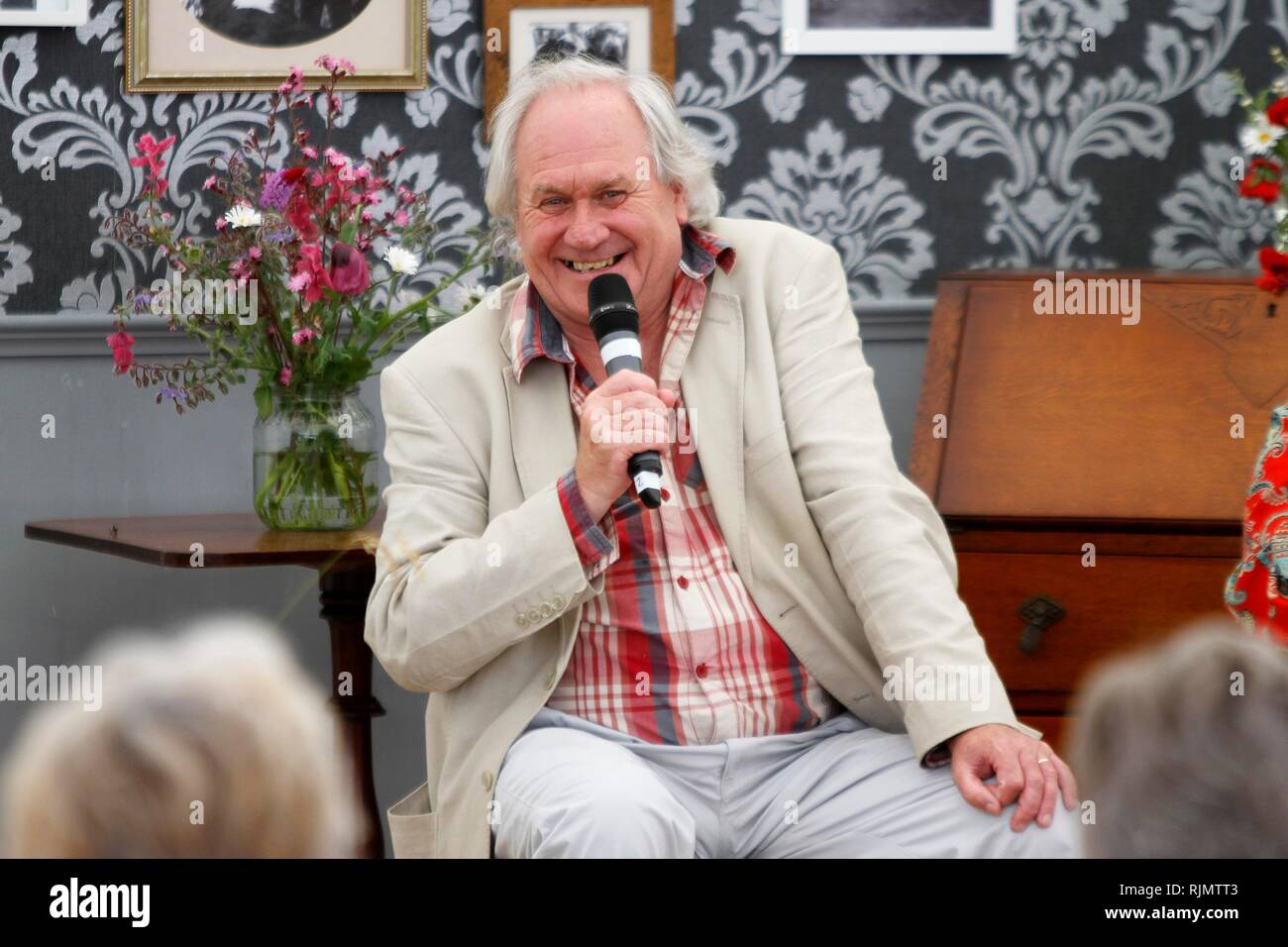 Bbc Radio 4 Stock Photos & Bbc Radio 4 Stock Images - Alamy