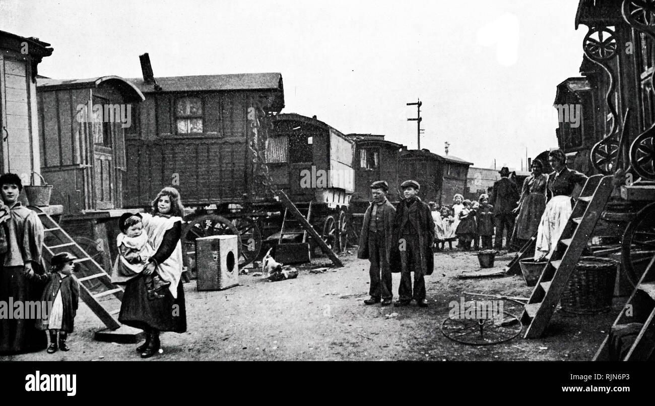 Gypsy encampment in Battersea, London 1905 Stock Photo