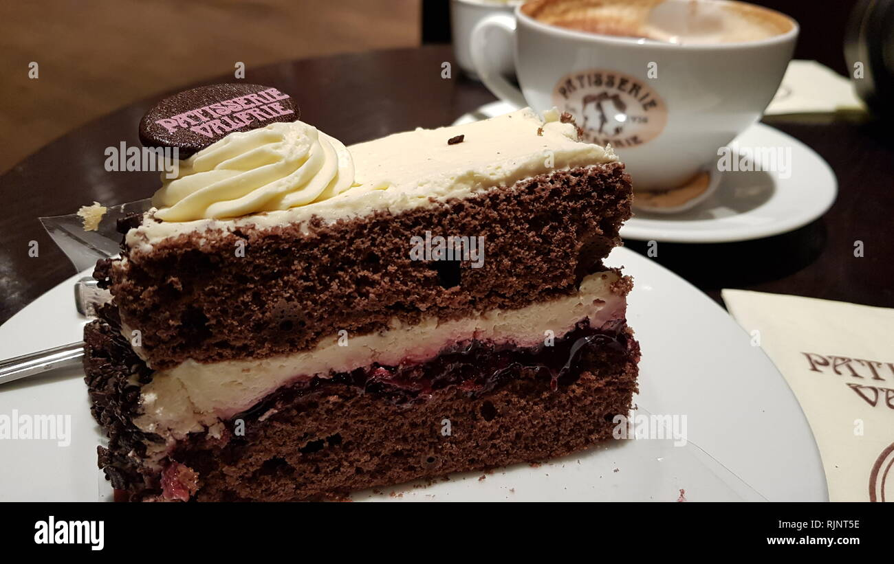 Glasgow, UK. 25 January 2019. Patisserie Valerie is a chain of cafŽs that operates in the United Kingdom. The chain specialises in hand-made cakes, an - Stock Image
