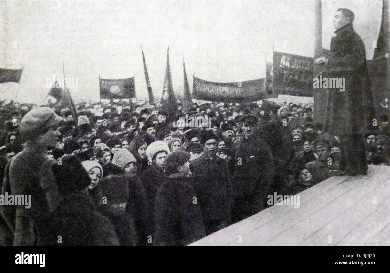 Meeting of striking workers Tverduring the Russian revolution. 1917 - Stock Image