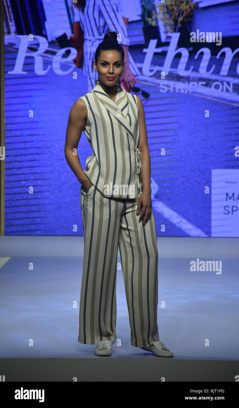Mumbai India 7th Feb 2019 A Model Seen Showcasing The New Collection Of Marks Spencer S Spring Summer 2019 Design During The Fashion Show At The Hotel Itc Maratha In Mumbai Credit