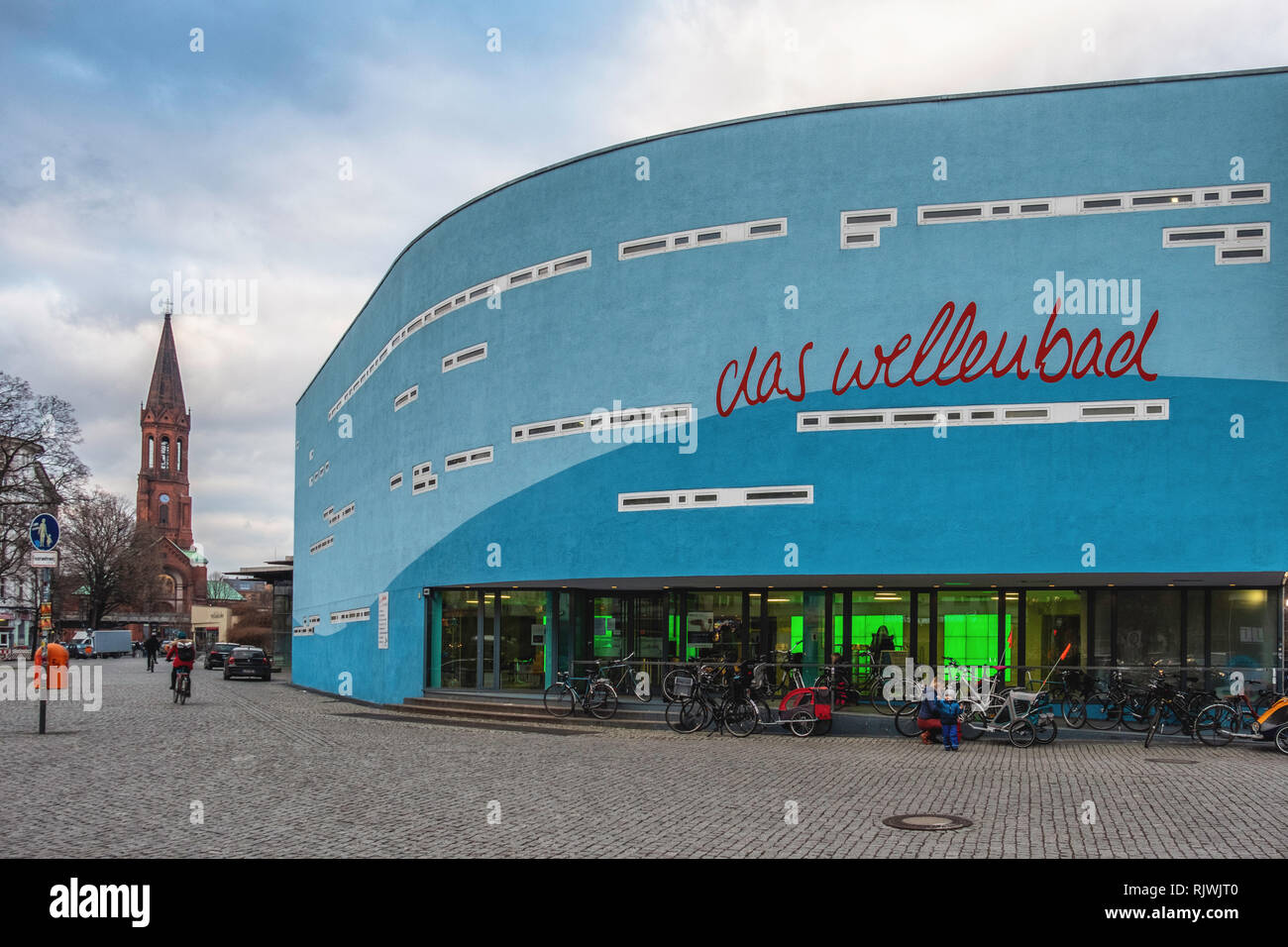 Berlin, Kreuzberg. Indoor swimming pool & leisure centre at Spreewaldplatz. Exterior view - Stock Image