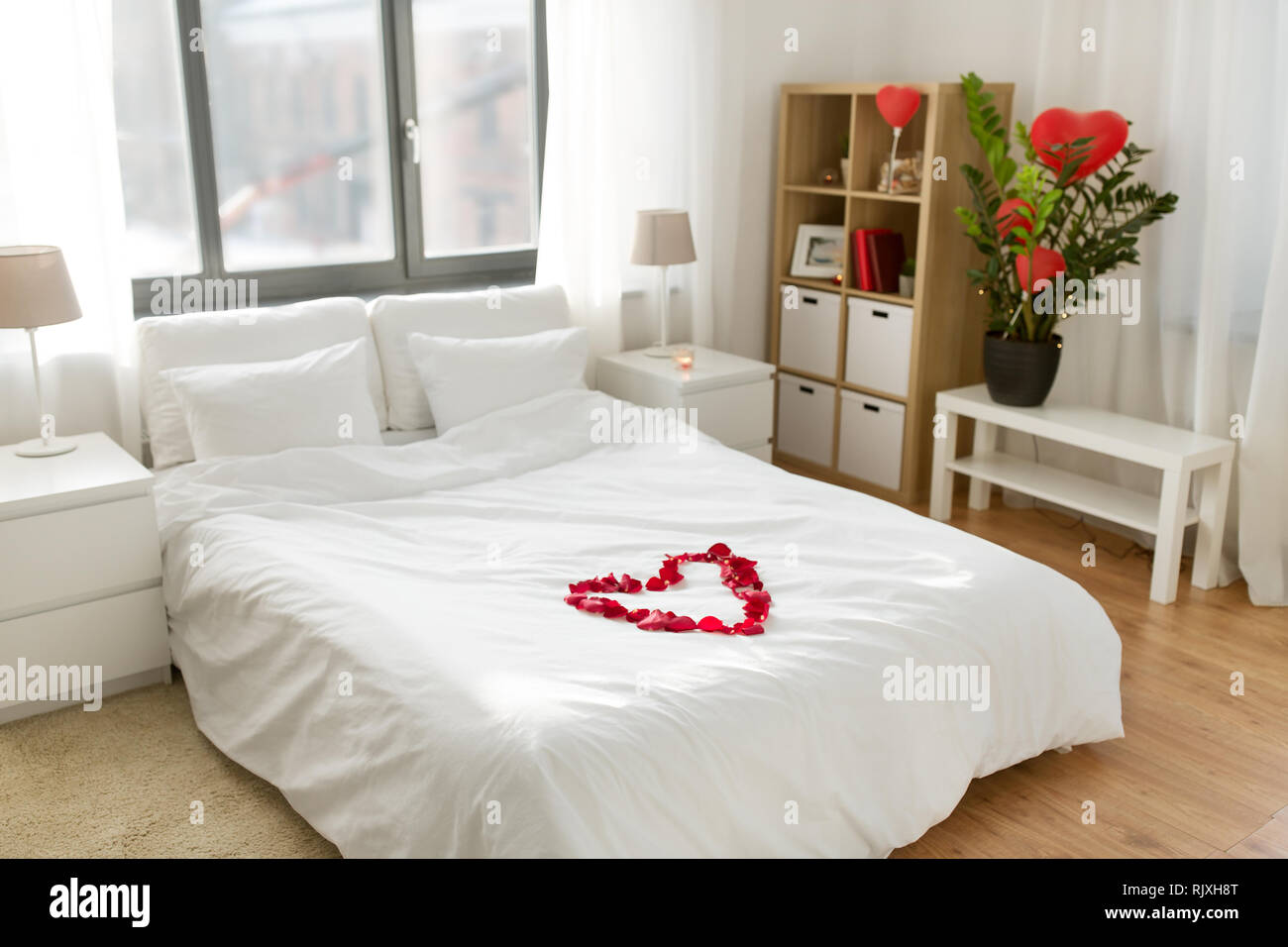 Valentines Day Bedroom cozy bedroom decorated for valentines day