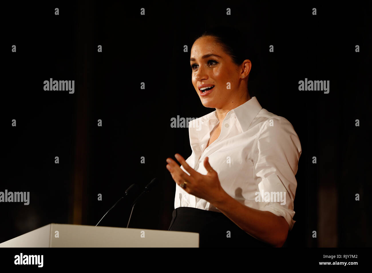 The Duchess of Sussex presents the Celebrating Excellence Award to Nathan Forster, a former soldier of the Army's Parachute Regiment, at the annual Endeavour Fund Awards at Draper's Hall, London. - Stock Image