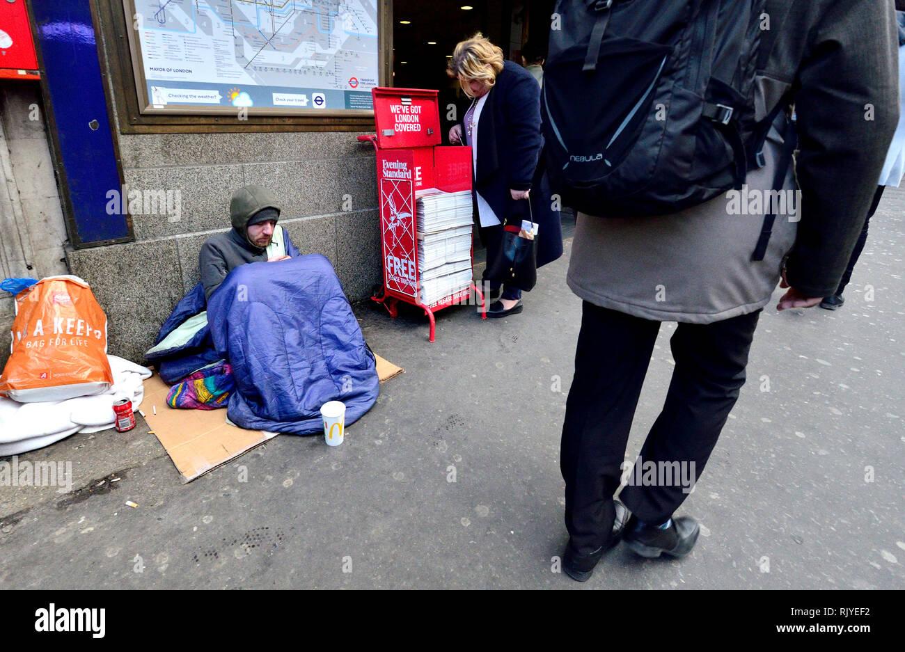 London, England, UK. Homeless man outside Holborn underground station - Stock Image