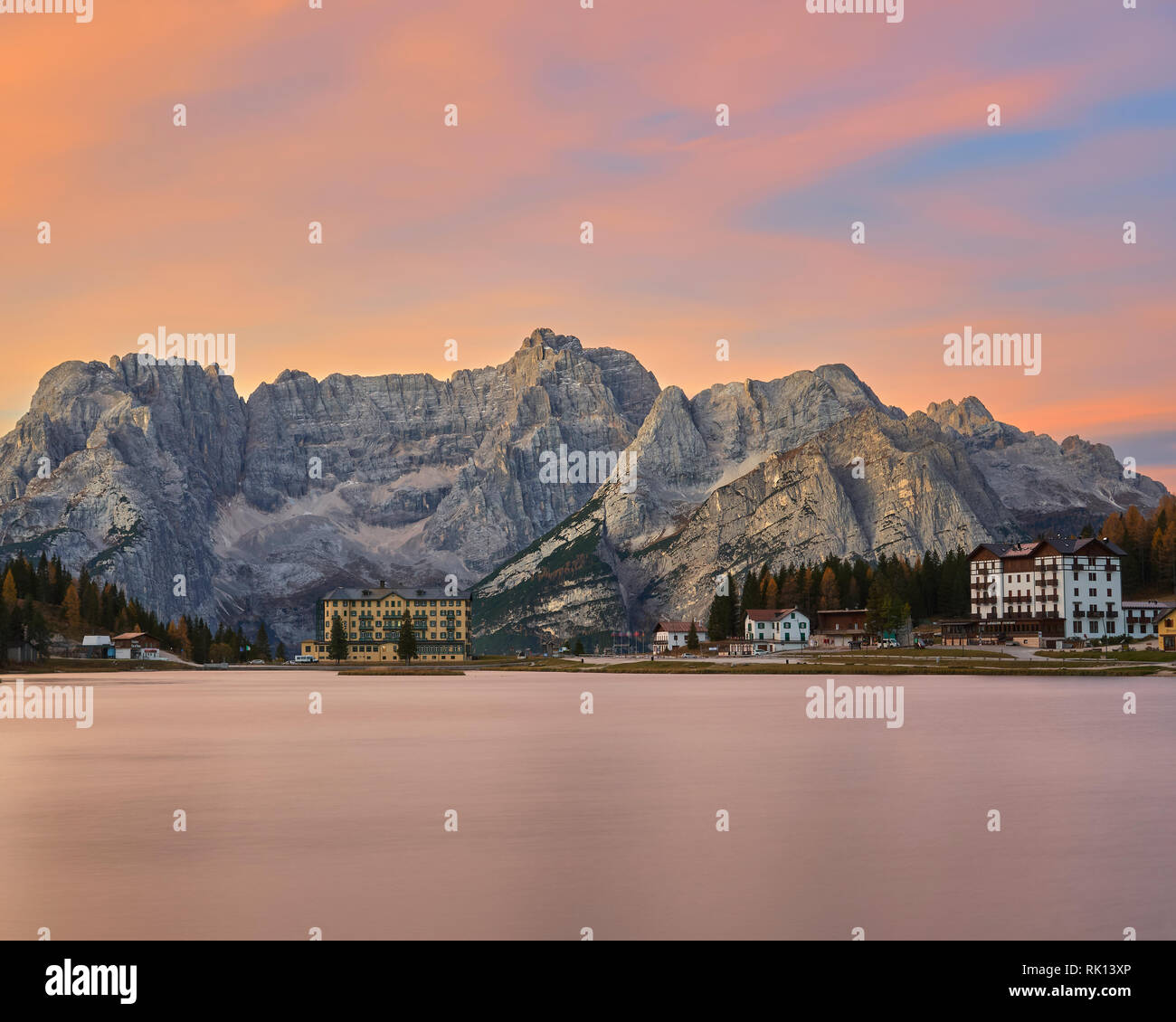 The Sorapis Group and Lago di Misurina at sunrise, Dolomites, Belluno, Veneto, Italy - Stock Image