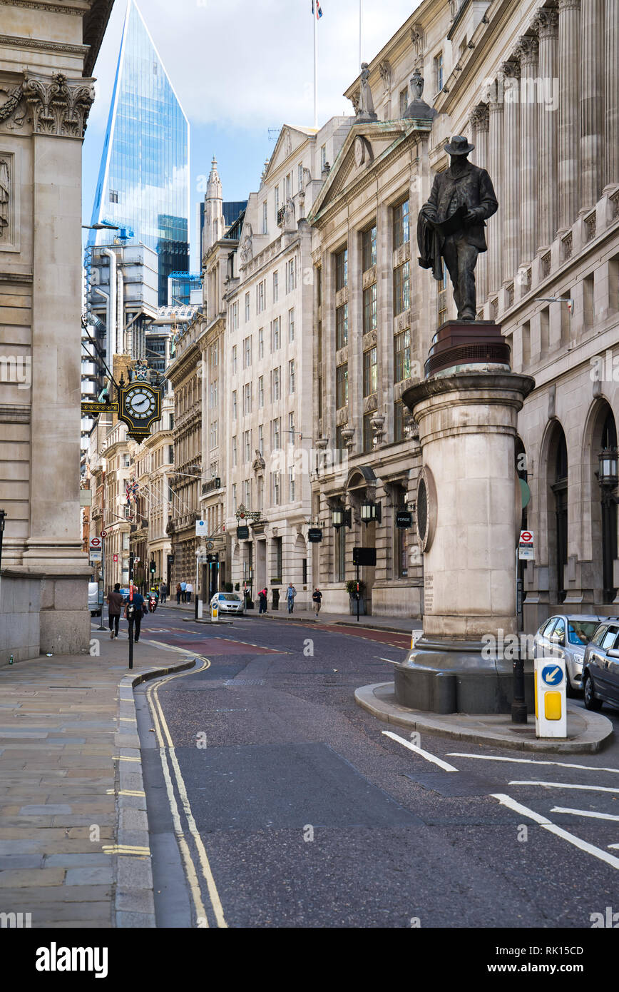 LONDON, UK - SEPTEMBER 9, 2018: View of the city streets in the area of the London National Bank - Stock Image