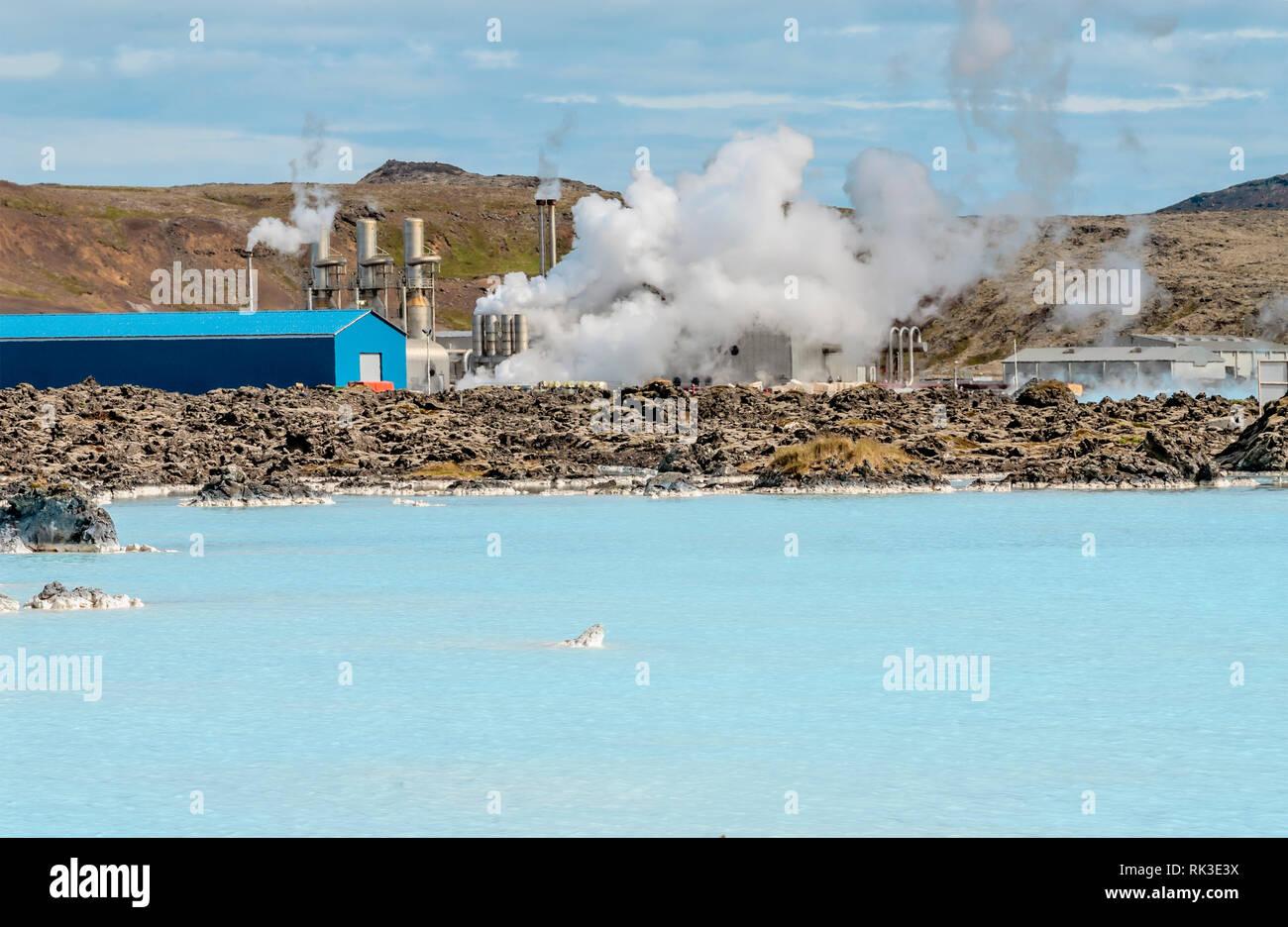 Erdwaerme Kraftwerk an der Blue Lagoon, Island   Geothermal power station at the Blue Lagoon, Iceland - Stock Image