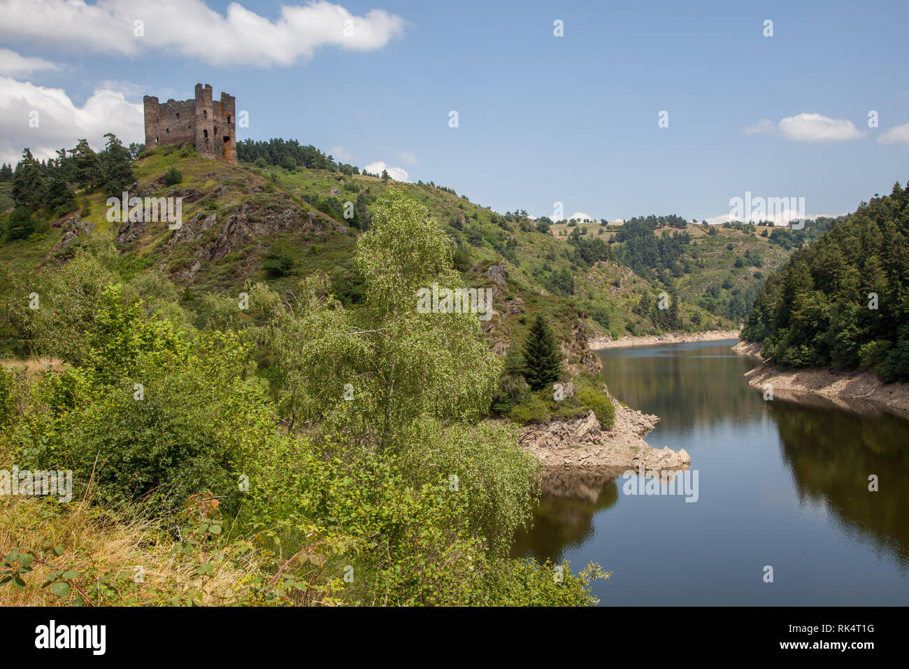 astle on the top of a hill in southe of France - Stock Image