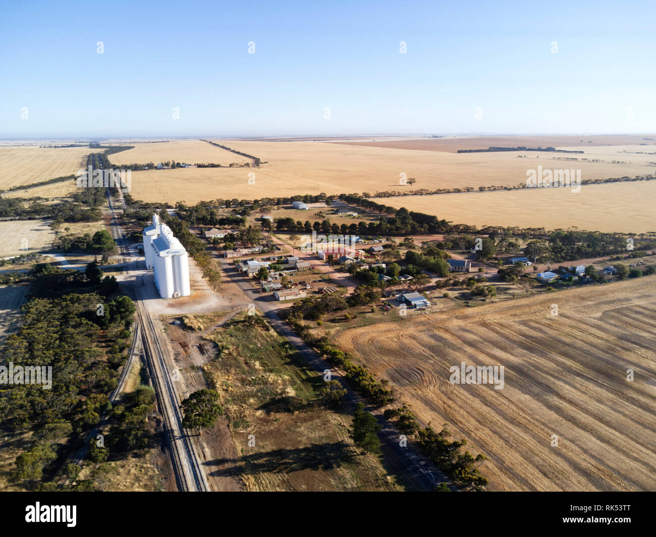 The Grain silos and railway line at Yeelanna Eyre Peninsula South Australia - Stock Image