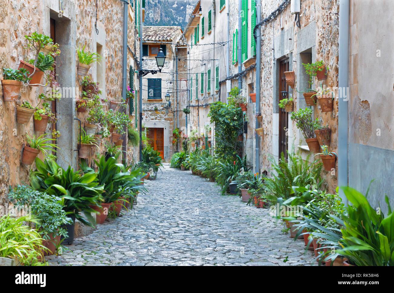 Mallorca - The old aisles of Valldemossa village. - Stock Image