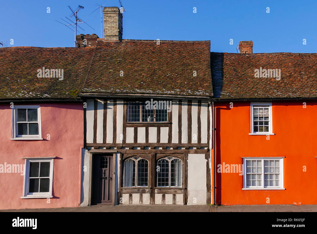 20-01-19. Thaxted, Essex, England,UK. Colourful, colorful, medieval architecture on Newbiggin Street. Photo: © Simon Grosset - Stock Image