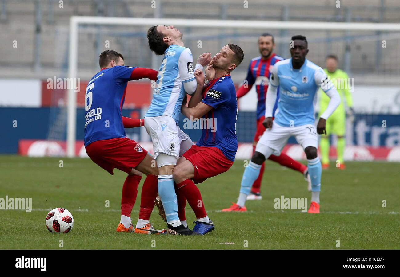 Duisburg, Deutschland. 09th Feb, 2019. firo: 09.02.2019 Football, 3. Bundesliga, season 2018/2019 KFC Uerdingen 05 - TSV 1860 Munich Manuel Konrad (# 28, KFC Uerdingen 05) is running in Nico Karger (# 18, TSV 1860 Munich). Both hurt. | usage worldwide Credit: dpa/Alamy Live News - Stock Image