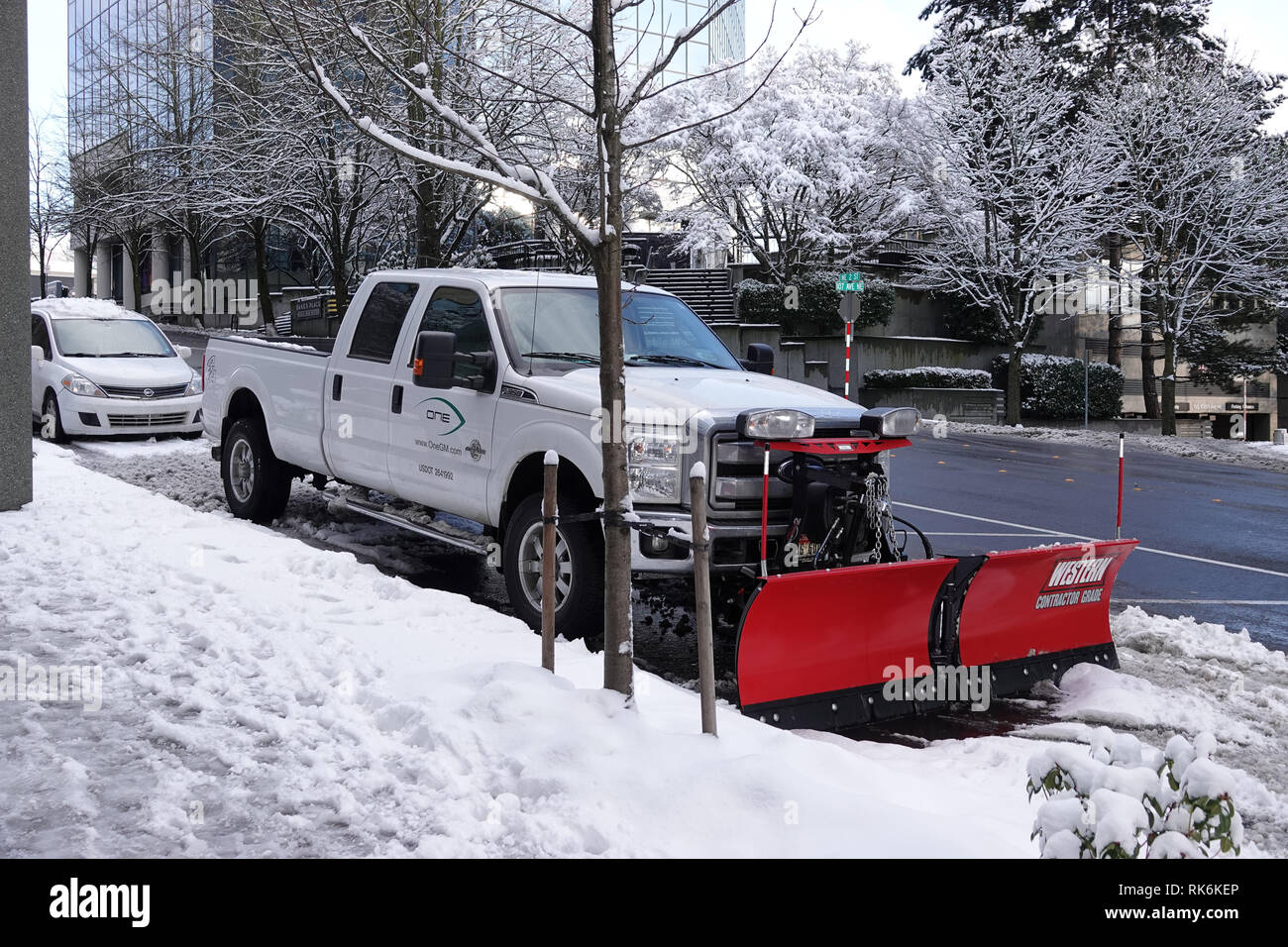 Bellevue, WA, USA. 9th Feb, 2019. Bellevue is snowed in. Snowplows are on the roads Stock Photo