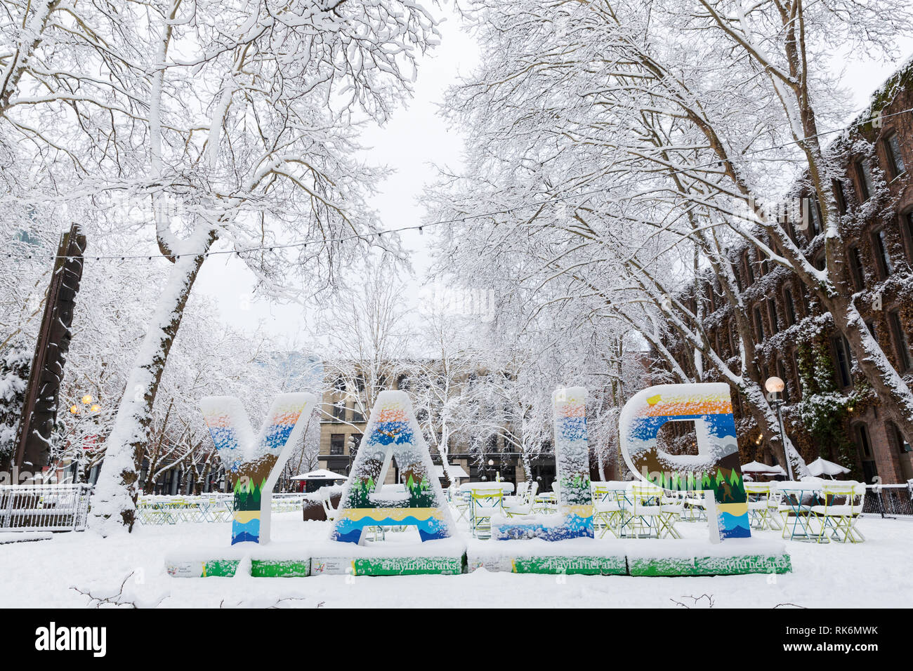 Washington, USA. 9th Feb 2019. Occidental Square is deserted as a strong winter storm blankets Seattle in six inches of snow. Credit: Paul Christian Gordon/Alamy Live News Stock Photo