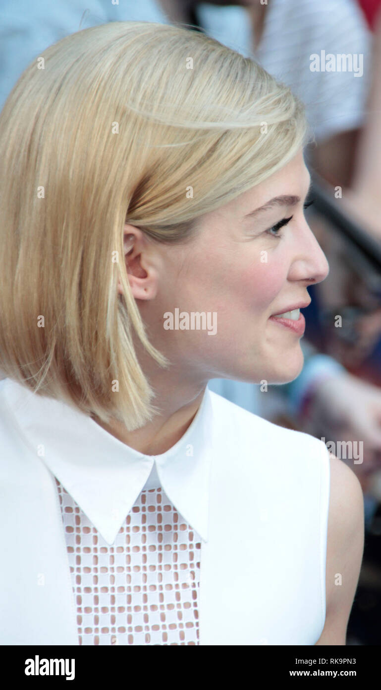 Rosamund Pike  arrives for the World Premiere of 'The World's End' at the Empire, Leicester Square, London - Stock Image